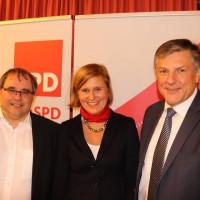 Von links Bernd Bante, Vorsitzender der SPD Aichach-Friedberg, Simone Strohmayr und Bernd Müller, die Kandidaten für die Landtags- und Bezirkswahl 2018